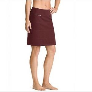 Athleta maroon strata skirt size m